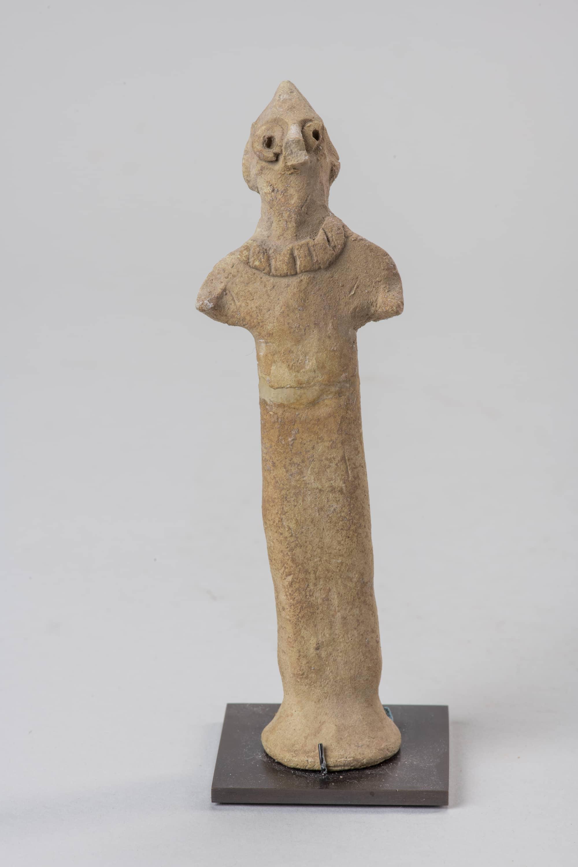 Figurine masculine à tête pointue